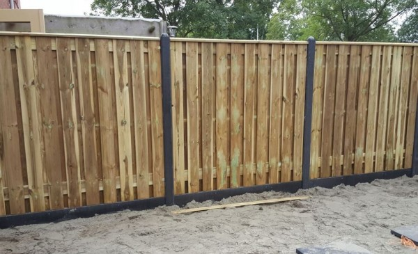 Tuinafsluiting hout beton